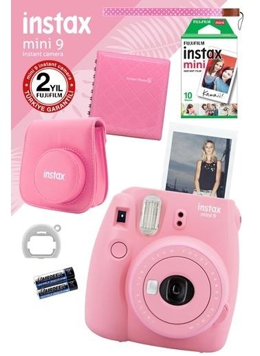 Fujifilm Instax Mini 9 Açık Pembe Fotoğraf Makinesi ve Hediye Seti 2 Pembe